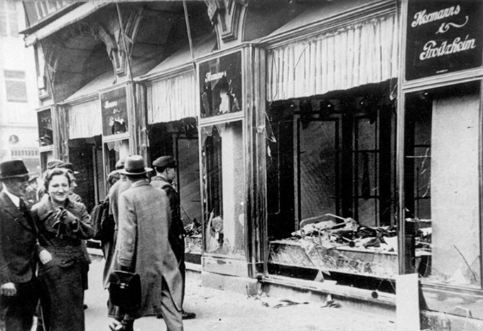 The aftermath of the Kristallnacht. Bundesarchiv, CC BY-SA