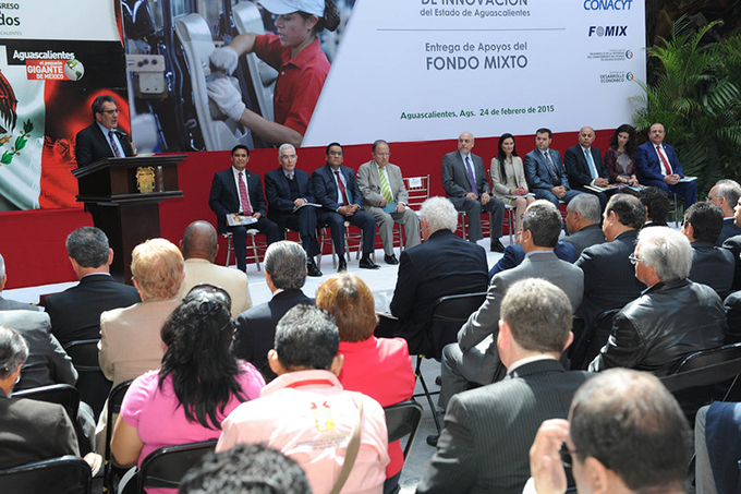 A presentation on Mexican government funding for scientific investment. How many women can you count? Government of Aguascalientes/flickr, CC BY-SA